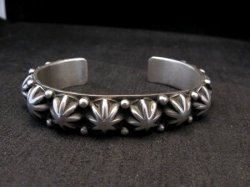 Navajo Old Pawn Style Starred Button Studded Silver Bracelet Happy Piasso Medium
