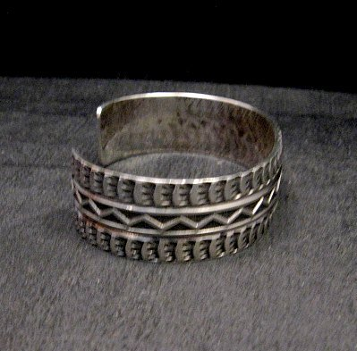 Image 3 of Sunshine Reeves Navajo Native American Stamped Silver 1-inch Wide Bracelet