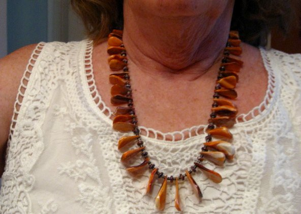 Image 5 of Unique Everett & Mary Teller Navajo Lion Paw Shell Necklace