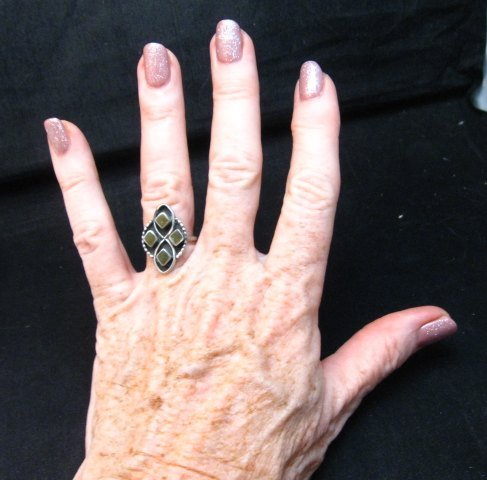 Image 1 of Vintage Native American Green Snail Shell Silver Ring sz6