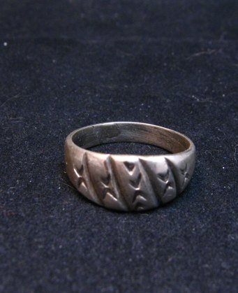 Image 0 of Vintage Native American Sterling Silver Ring sz8
