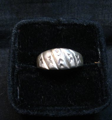 Image 1 of Vintage Native American Sterling Silver Ring sz8