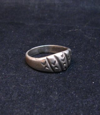 Image 2 of Vintage Native American Sterling Silver Ring sz8