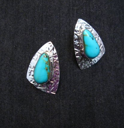 Image 3 of Navajo Kingman Turquoise Hammered Silver Post Earrings, Everett & Mary Teller