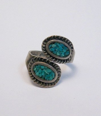 Image 3 of Vintage Native American Wrap-around Turquoise Chip Inlay ring sz3 to sz5
