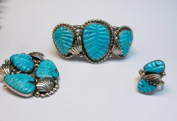 Image 3 of Zuni Native American Carved Turquoise Silver Ring, Loyolita Othole, sz6-1/2