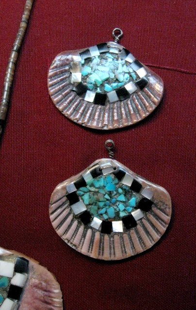 Image 2 of Vintage Santo Domingo Pueblo Turquoise Inlaid Shell Necklace and Earrings