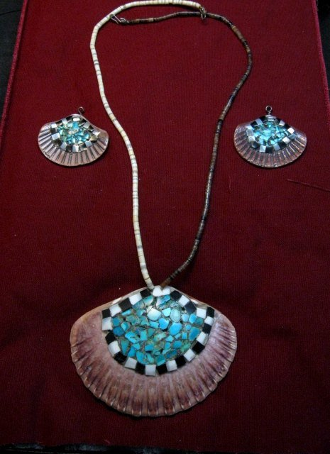 Image 6 of Vintage Santo Domingo Pueblo Turquoise Inlaid Shell Necklace and Earrings
