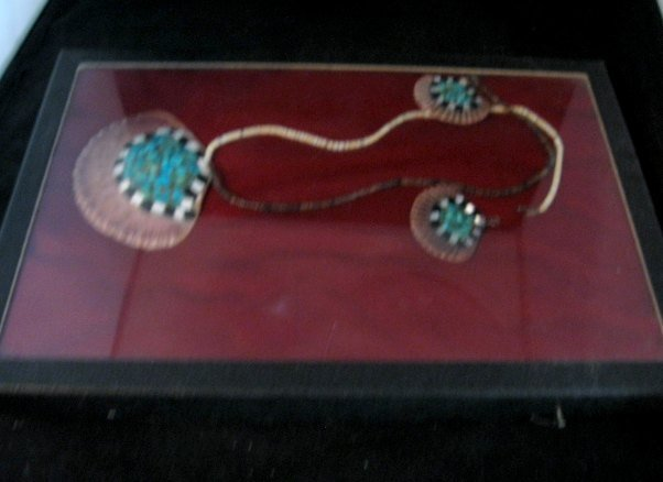 Image 7 of Vintage Santo Domingo Pueblo Turquoise Inlaid Shell Necklace and Earrings