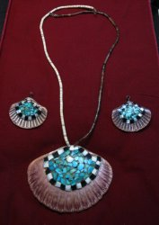 Vintage Santo Domingo Pueblo Turquoise Inlaid Shell Necklace and Earrings