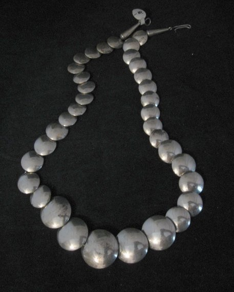 Image 4 of Vintage Navajo Native American Hollow Silver Disk Bead Necklace Reversible
