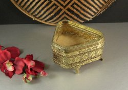 Matson Ormolu Jewelry Casket Wedding Ring Box / Cherubs Putti / Triangle Shaped