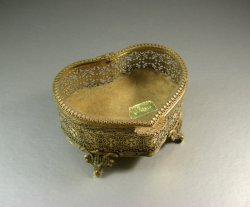 Heart Shaped Ormolu Beveled Glass Jewelry Casket Trinket Box / MATSON