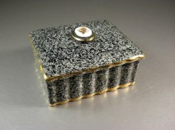 Italian Ceramic Jewelry Decor Box / Dresser Trinket Stash / M and R Tag attached