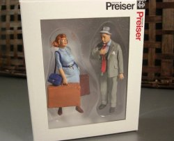 Preiser G Scale People Standing Travelers / 2 Standing Model Figures for your la