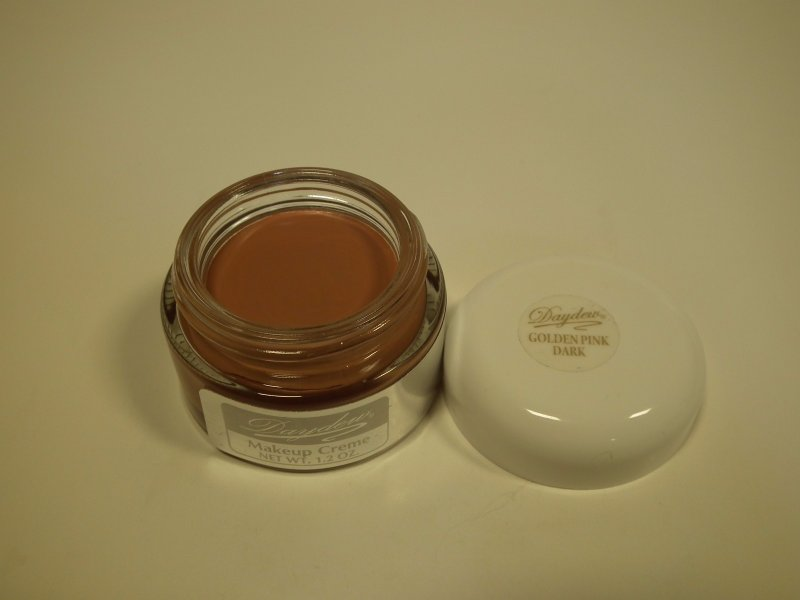 Daydew Makeup Golden Pink Dark 1.2oz
