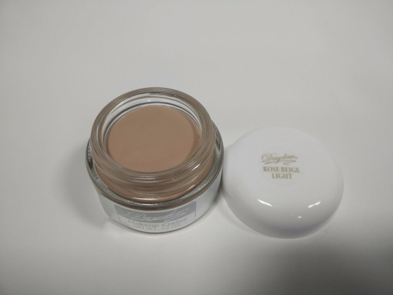 Daydew Makeup Rose Beige Light 1.2oz