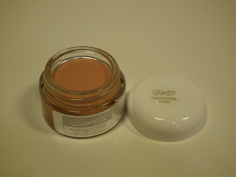The Original Daydew Makeup Creme Made World Famous By Beauty Professionals. Creates A Youthful Glow That Last For Hours Without Touchups. Appy By Patting Small Amount On The Skin Until Warmed. Then Sm