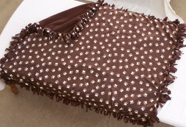 Image 0 of Paw Print Double Fleese Tie Blanket (Handmade in USA)  P1