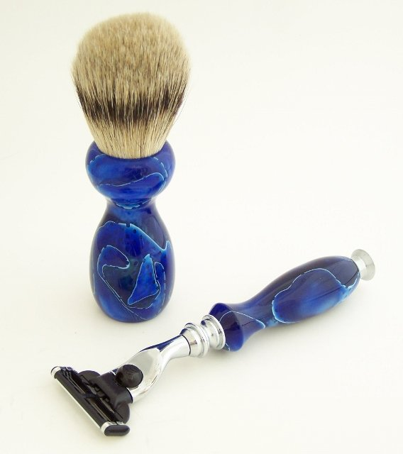 Image 1 of Blue Swirl Acrylic 22mm Super Silvertip Brush, Fusion Flexball Razor & Stand Set