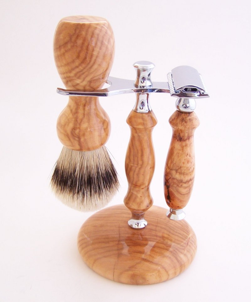 Image 0 of Shaving Set:  Cherry Burl 22mm Silvertip Badger Brush, DE Safety Razor and Stand
