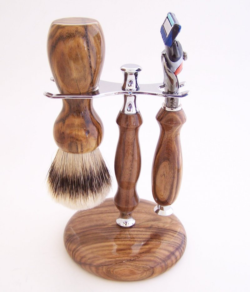 Image 0 of Shaving Set:  Pistachio Wood 22mm Silvertip Brush, Fusion Flexball & Stand (P1)