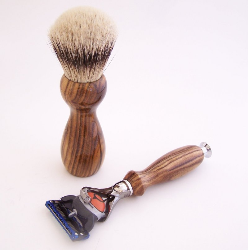 Image 1 of Shaving Set:  Pistachio Wood 22mm Silvertip Brush, Fusion Flexball & Stand (P1)