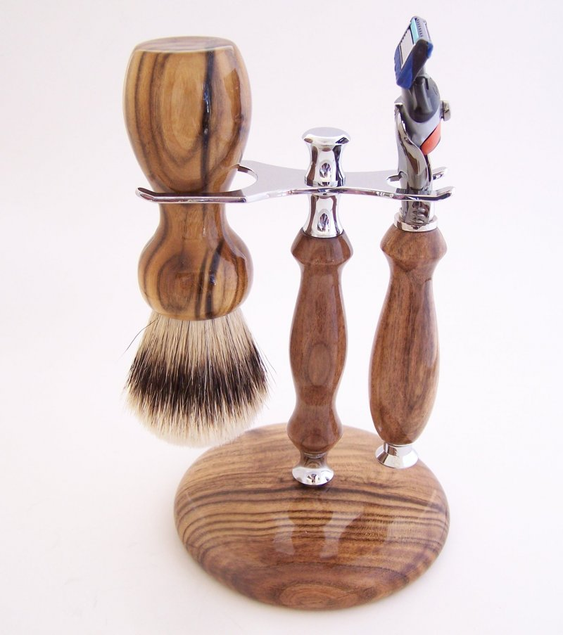 Image 0 of Shaving Set:  Pistachio Wood 22mm Silvertip Brush, Fusion Flexball & Stand (P2)