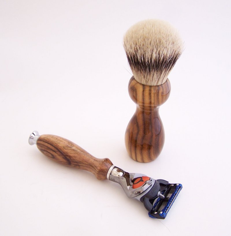 Image 1 of Shaving Set:  Pistachio Wood 22mm Silvertip Brush, Fusion Flexball & Stand (P2)
