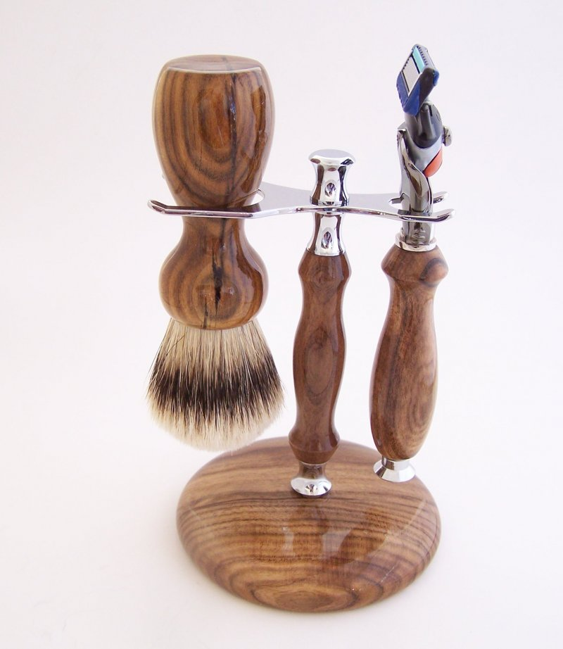 Image 0 of Shaving Set:  Pistachio Wood 22mm Silvertip Brush, Fusion Flexball & Stand (P3)
