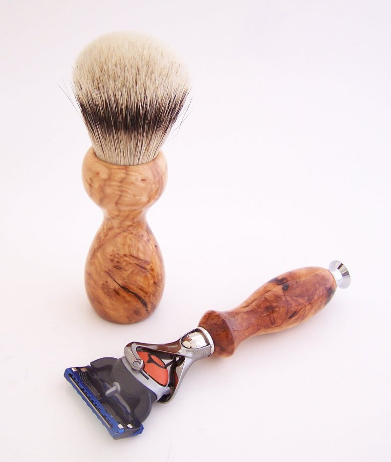 Image 1 of Shaving Set: Cherry Burl 22mm Silvertip Brush, Fusion Flexball & Stand (C11)