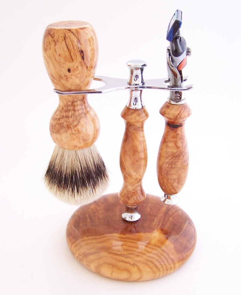 Image 0 of Shaving Set: Cherry Burl 22mm Silvertip Brush, Fusion Flexball & Stand (C12)