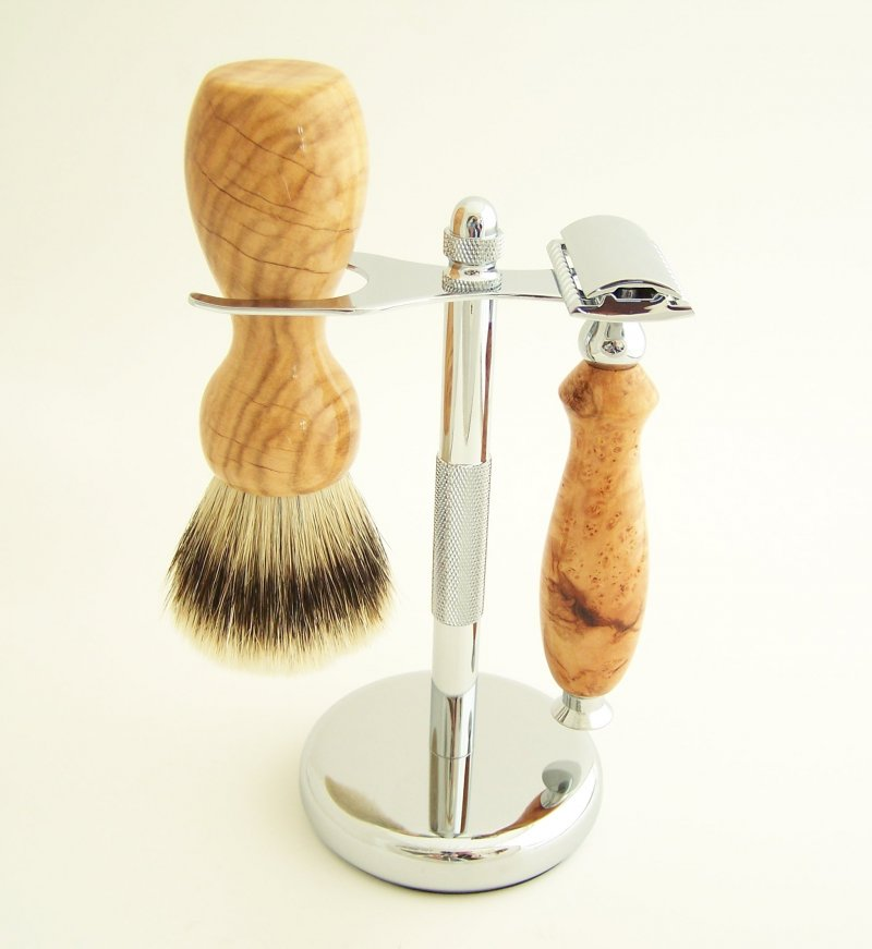 Image 0 of Shaving Set: Cherry Burl Wood 22mm Silvertip Brush & DE Safety Razor (C1)