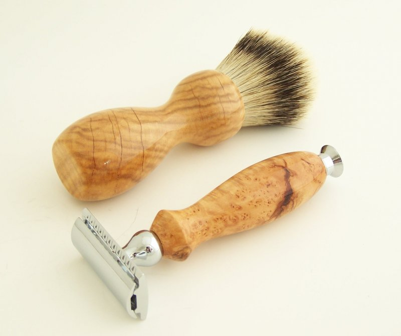 Image 1 of Shaving Set: Cherry Burl Wood 22mm Silvertip Brush & DE Safety Razor (C1)