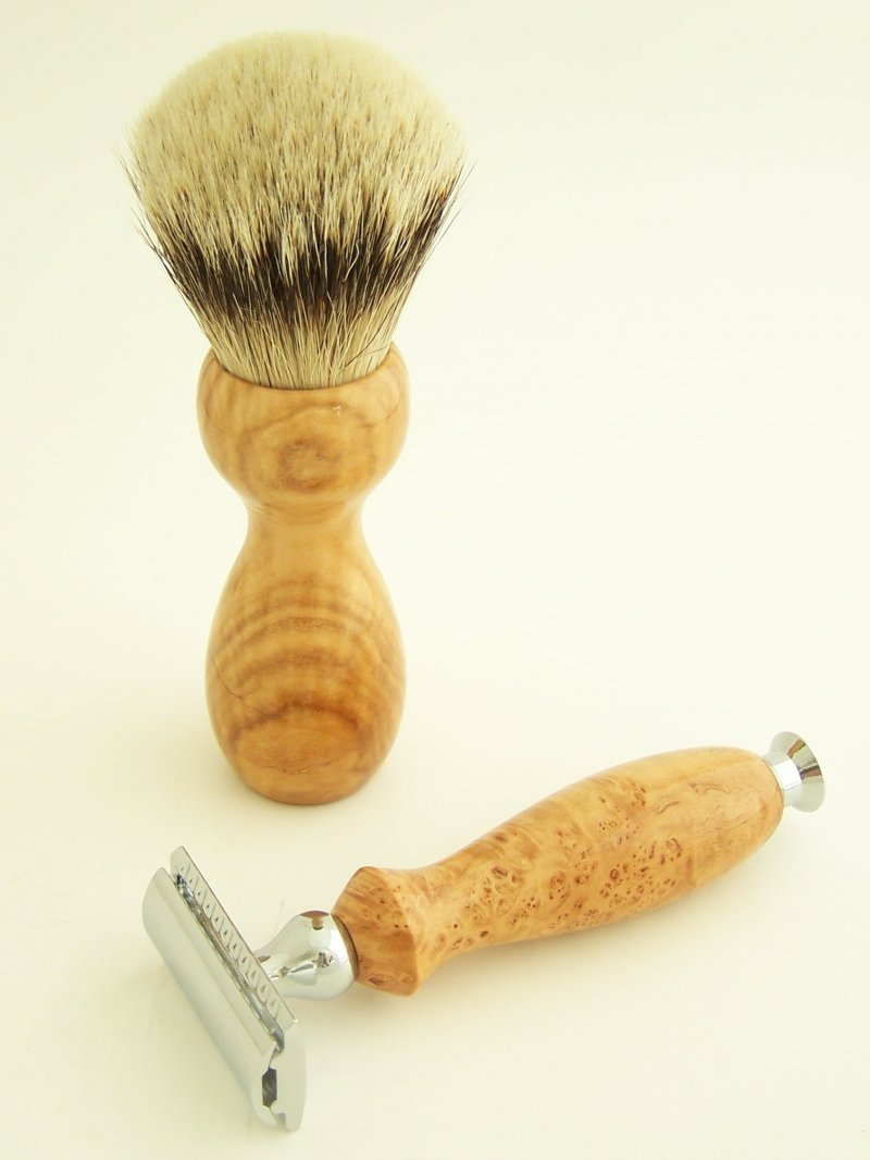 Image 2 of Shaving Set: Cherry Burl Wood 22mm Silvertip Brush & DE Safety Razor (C1)