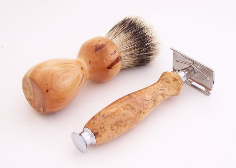 Image 2 of Cherry Burl Wood 20mm Silvertip Brush, DE Safety Razor and Stand (Handmade) C2