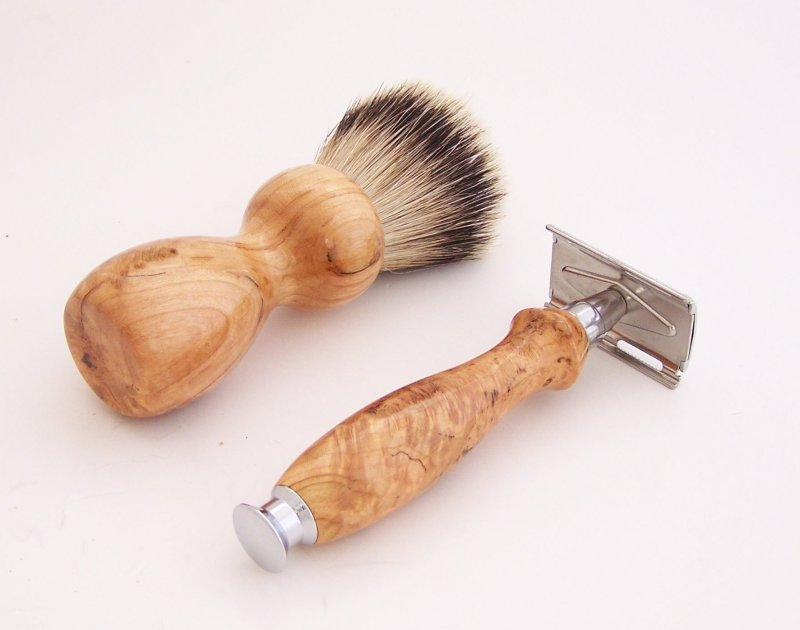 Image 2 of Cherry Burl Wood 20mm Silvertip Brush, DE Safety Razor and Stand (Handmade) C3