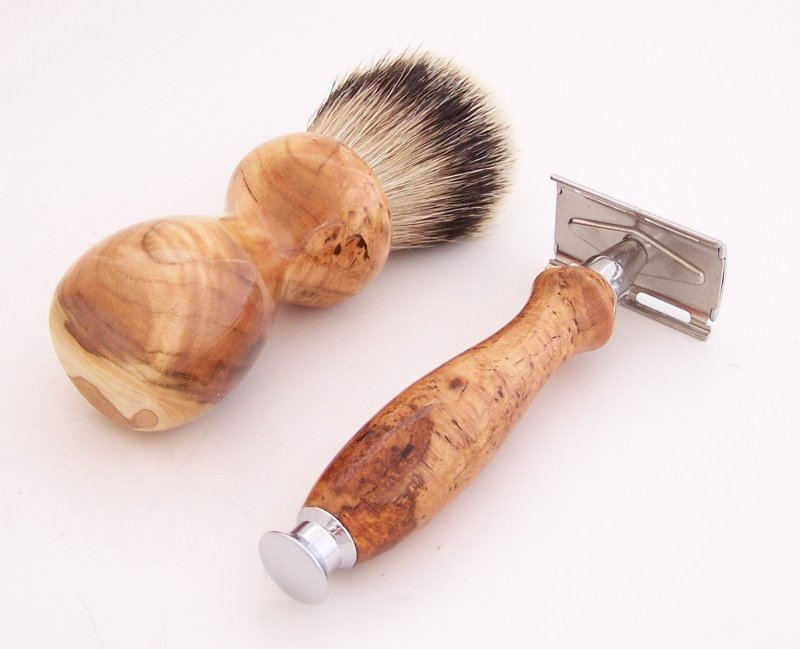 Image 2 of Cherry Burl Wood 20mm Silvertip Brush, DE Safety Razor and Stand (Handmade) C4