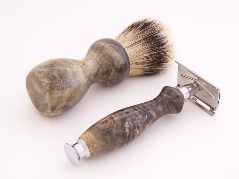 Image 2 of Buckeye Burl Wood 20mm Silvertip Brush, DE Safety Razor and Stand (Handmade) B1