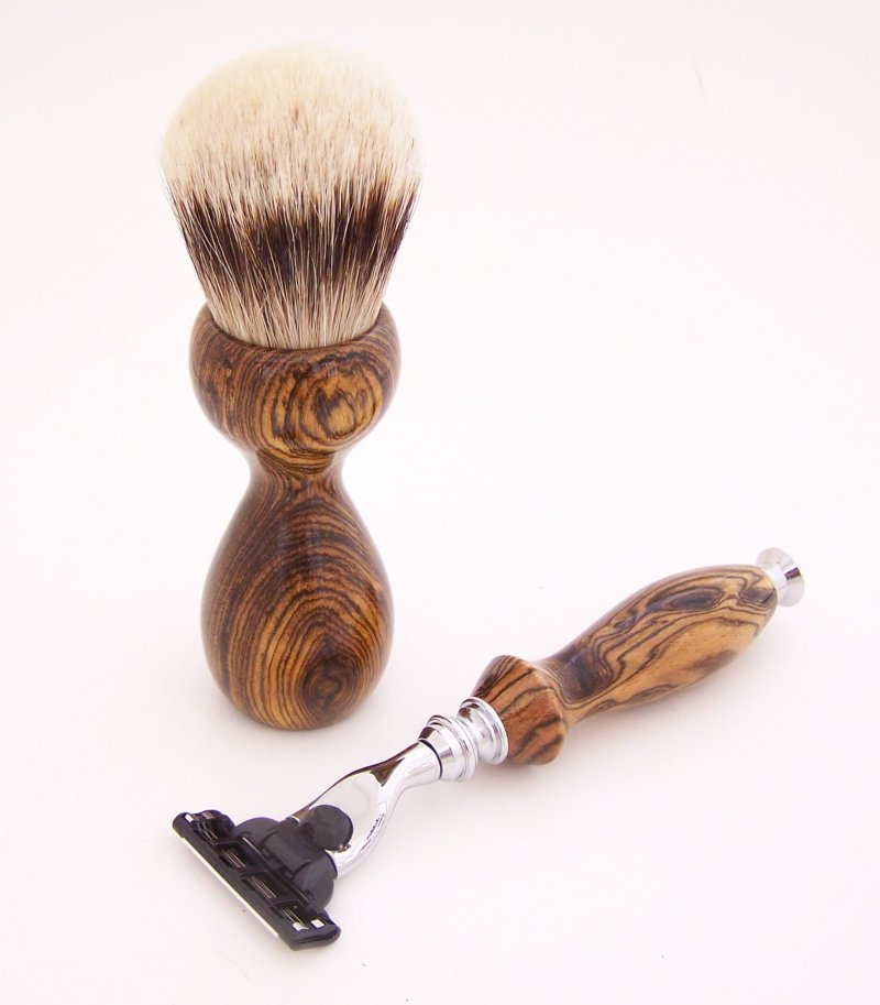 Image 3 of Shaving Set:  Bocote Wood 26mm Silvertip Brush, Mach 3 Razor & Stand (B2)