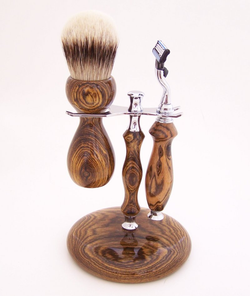 Image 4 of Shaving Set:  Bocote Wood 26mm Silvertip Brush, Mach 3 Razor & Stand (B2)