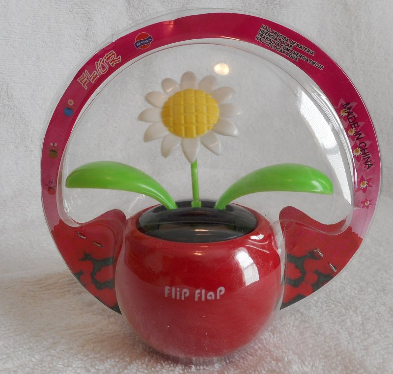 Image 0 of Daisy Solar Dancing Flower