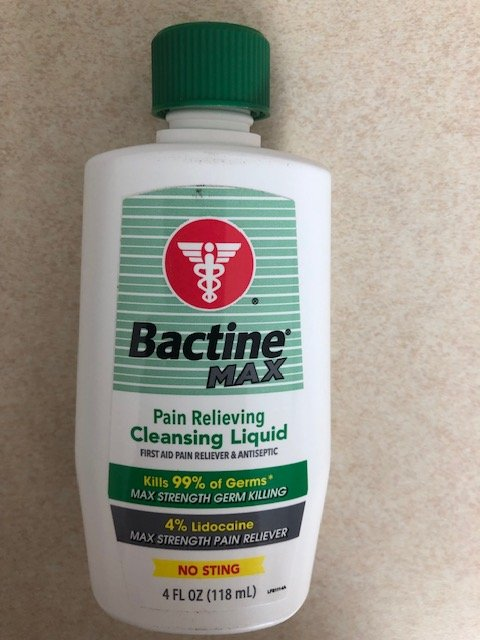 Bactine Max Pain Relieving Cleansing Liquid 4 oz . One Bottle