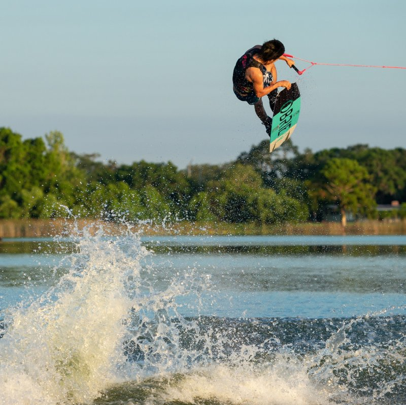 Image 2 of OBRIEN - Valhalla Wakeboard, W/Clutch Binding, Sizes 7 -11  - 2019