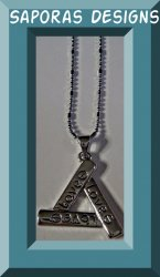 18KRP Triangle Of Love Design Necklace