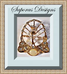 Gold Tone Peacock Design Brooch With Clear Crystals & White Bead