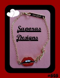 Gold Tone Sexy Lips / Love Bracelet