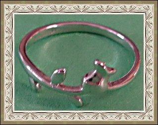Image 0 of 18KRP Flower / Rose Design Vintage Ring Size 7 Classy & Simple