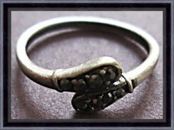 Vintage Silver Tone Ring With Black Crystals Size 4.5