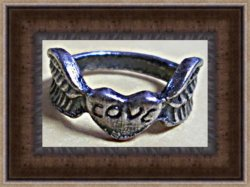 Antique Gold Tone Heart / Love Ring With Angel Wings Size 6